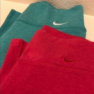 Nike capris leggings small